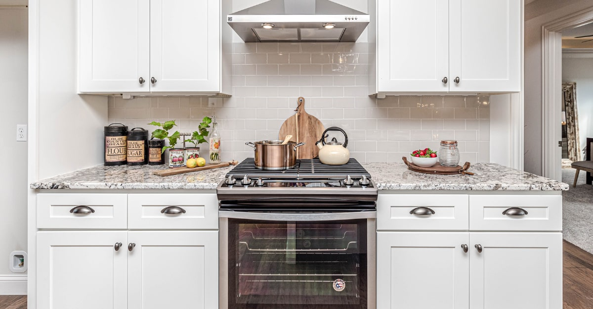 Dos & Don'ts of Cleaning Kitchen Cabinets